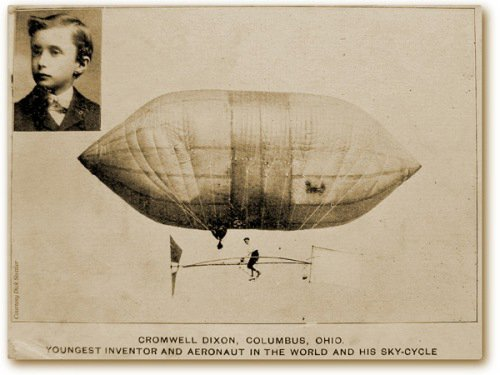 Image of early dirigible piloted by Cromwell Dixon